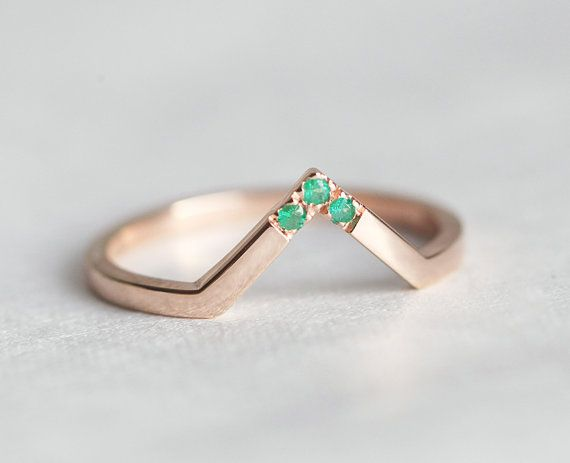 Wedding band, rose gold & emerald by MinimalVS
