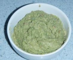 Pesto acciughe, nocciole e broccoli