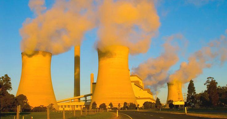 Tipos de generadores DC. Un generador eléctrico convierte la energía mecánica en energía eléctrica. La energía mecánica se crea por una turbina de vapor, energía hidráulica, combustión interna, energía eólica, con una manivela o con aire comprimido. Hay dos formas de generación de energía eléctrica, la corriente continua (DC) y alterna (CA). Aunque los generadores de ...