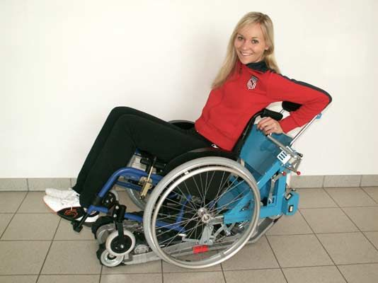 Lo Stairmax, prodotto dalla Lehner Lifttechnik GmbH è un montascale a cingoli adatto ad una persona che, nonostante la disabilità, vuole mantenersi il più possibile autonoma. Si tratta di un prodotto innovativo, grazie ad un sistema di montaggio particolare con il quale è possibile agganciare direttamente la sedia a rotelle[...]