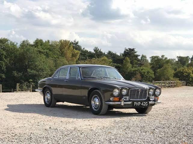 1972 modern classic Jaguar XJ12 | Jaguar xj, Jaguar car, Jaguar