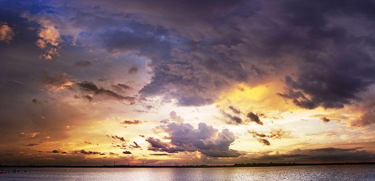 backlit clouds panorama - Google zoeken