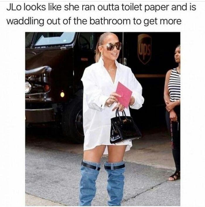 Jlo Forgot To Pull Up Her Pants Even With 2 Belts Lustige Humor Bilder Humor Bilder Lustig