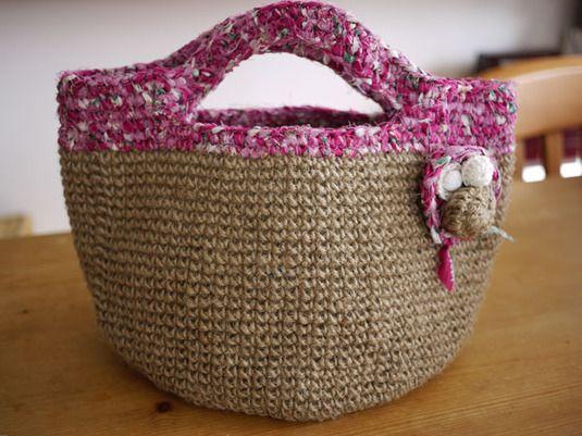 ジュート紐と裂き布で編んだバッグ*