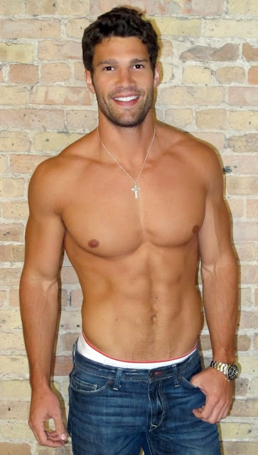Gorgeous Gay Men 31