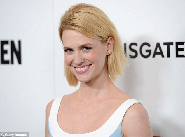 Simple: January wore her cropped blonde hair tucked behind her ears and minimal make-up