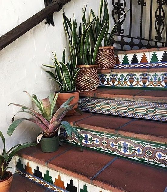15 Creative Ideas To Decorate Your Stair Risers