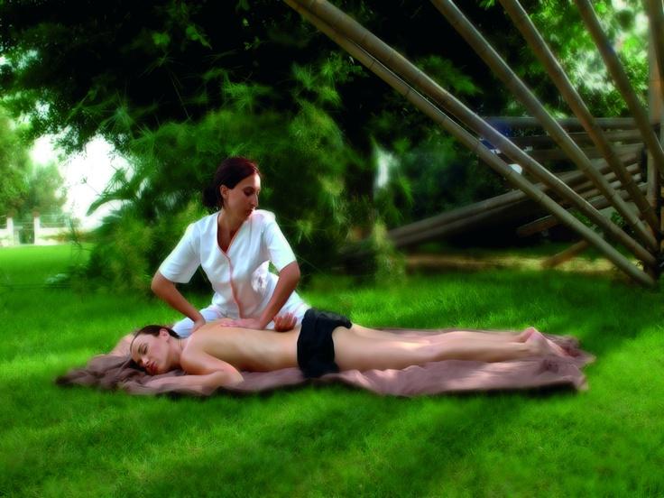 #Massaggio #Shiatsu in #Sicilia presso il Grand Hotel Baia Verde, #hotel a #Catania sul #mare.