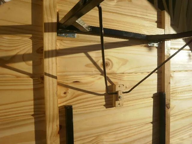 mesa redonda plegable de madera . somos fabricantes.