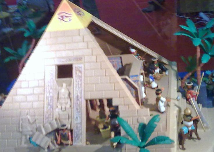 Une Pyramide en playmobil