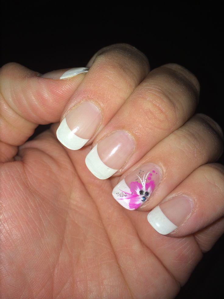 Ongles gel, french avec fleur