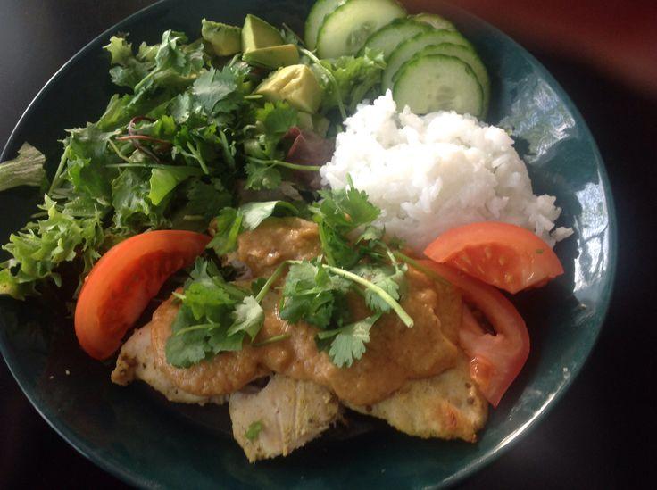 Chicken thai style with peanut sauce