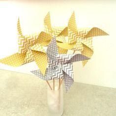 8 pics moulins à vent à pois et chevron jaune moutarde et gris - décoration de table de fête, candy bar, anniversaire,