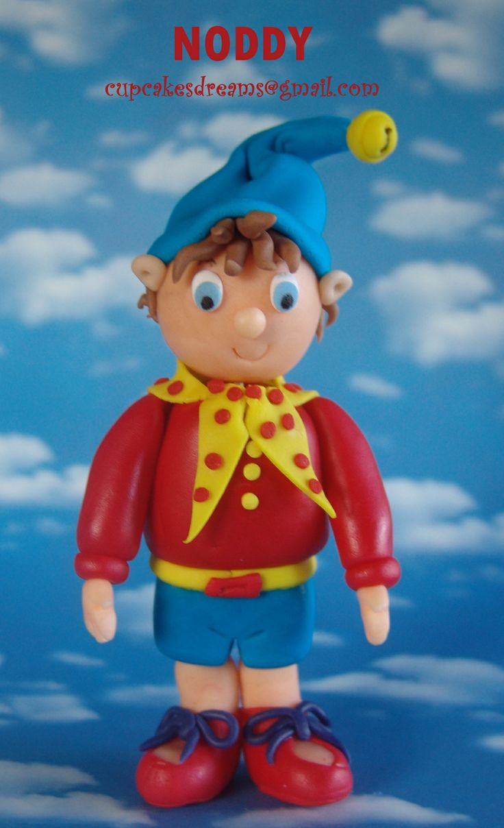 NODDY TOPPER - And here he is…my Noddy Topper…to go with the Kitty Topper…I really loved how this one tourn out (I think that I like Noddy more than Kitty, lol) I really need to figure this out… A Birthday cake with Kitty  Noddy… Let´s wait and see what it comes out…