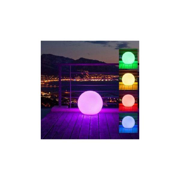 Lumisky Bollamp Bobby C50 wordt geleverd inclusief batterijen en oplader, is gemaakt van polyethyleen en is bestand tegen alle temperatuurwisselingen. Het materiaal is UV-bestendig. De lampen zijn 100% waterproof: onder alle omstandigheden bieden ze een sfeervolle verlichting voor binnen en buiten. De lamp is d.m.v. een afstandsbediening van kleur te veranderen. Plaats bollamp Bobby strategisch door huis en/of tuin om een mysterieuze sfeer te creëren.  De bollen kunnen ook drijven en zij...