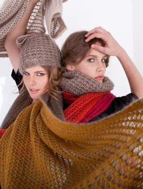 Bicoloured snood scarf