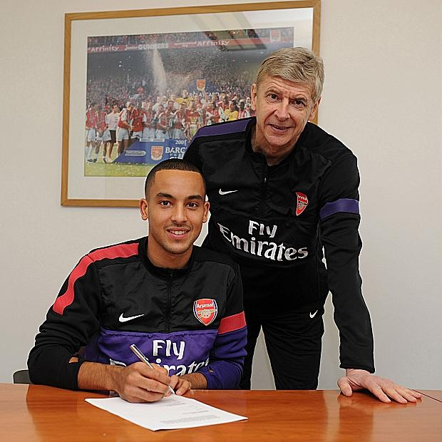 Theo Walcott signs contract – finally!