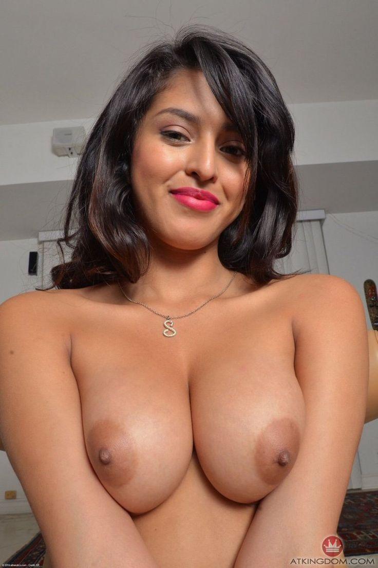 amateur tan females nude
