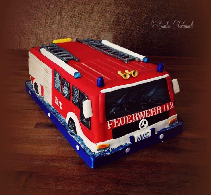Fire Engine Cake / Feuerwehrauto Torte