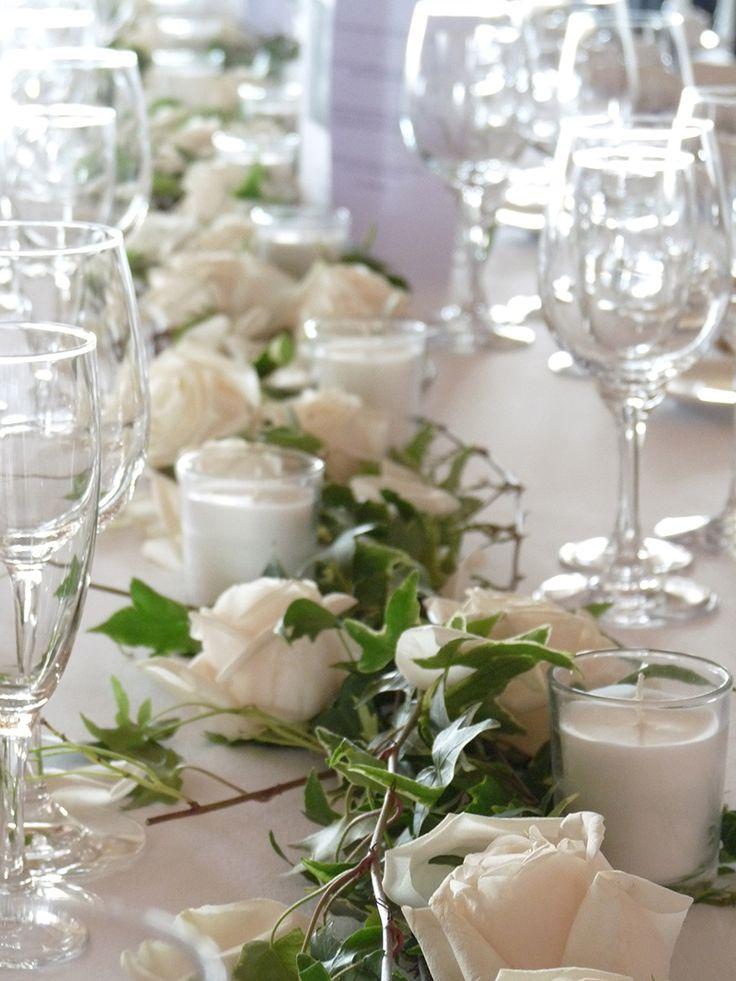 Tr s joli pour la table des mari s centre de table roses - Decoration pour table ...