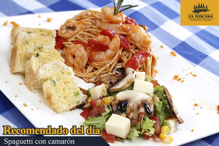 Spaguetti bañados en salsa roja con camarones y pimentón. Acompañado de pan de la casa y ensalada.