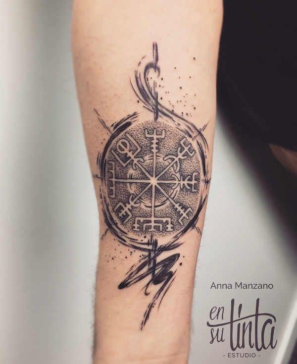 Tatuaże Wikingów Znaczenie Historia 50 Zdjęć Pomysł Na