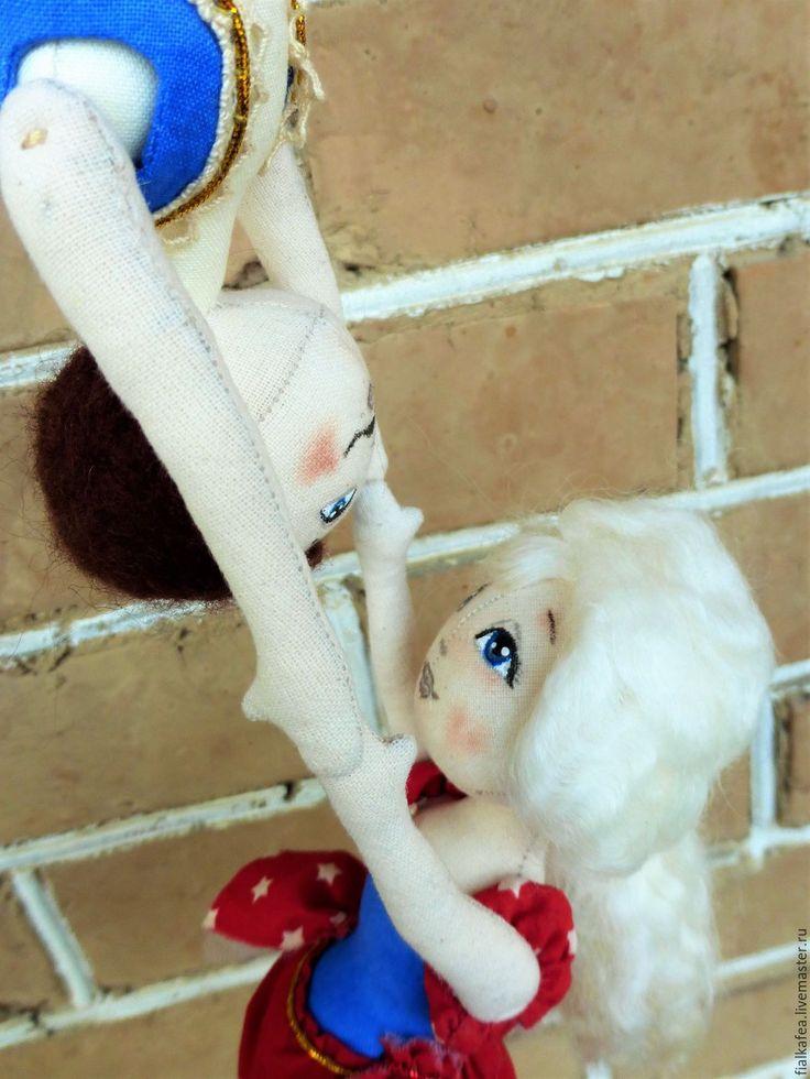 """Купить """"Винтажный цирк"""" Воздушные гимнасты, текстильные куклы - тёмно-синий, красный, винтажный стиль"""