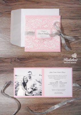rózsaszín csipkés esküvői meghívó