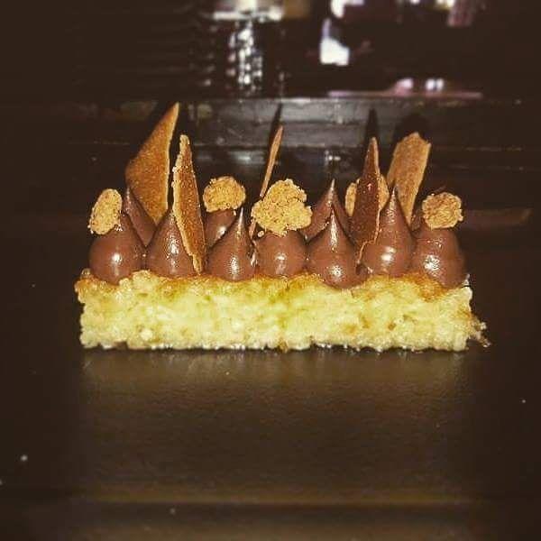 Πορτοκαλοπιτα, κρεμε μαυρης σοκολάτας, streusel αμυγδαλου! #orangepie #dessert #darkchocolate