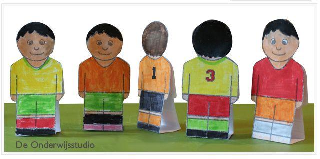 WK 2014 knutselen aan een team (gratis download) http://onderwijsstudio.nl/gratis-download-knip-plak-voetbalpoppetjes/