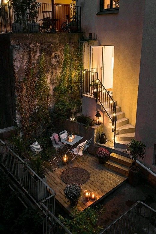 Fairylights and crawling plants - the perfect combo for a cosy outdoor space