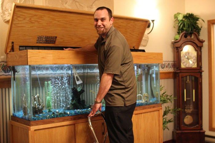 Nettoyer l'aquarium  Pour éliminer les dépôts de minéraux dans votre aquarium, frottez l'intérieur du réservoir avec du sel, puis rincez bien le réservoir avant d'y remettre vos poissons. Utilisez uniquement du sel ordinaire.