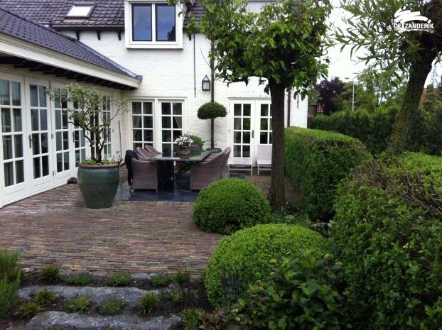 Tuinaanleg bruine klinker idee n voor het huis pinterest terras tuin en tuinhuis - Moderne tuin ingang ...