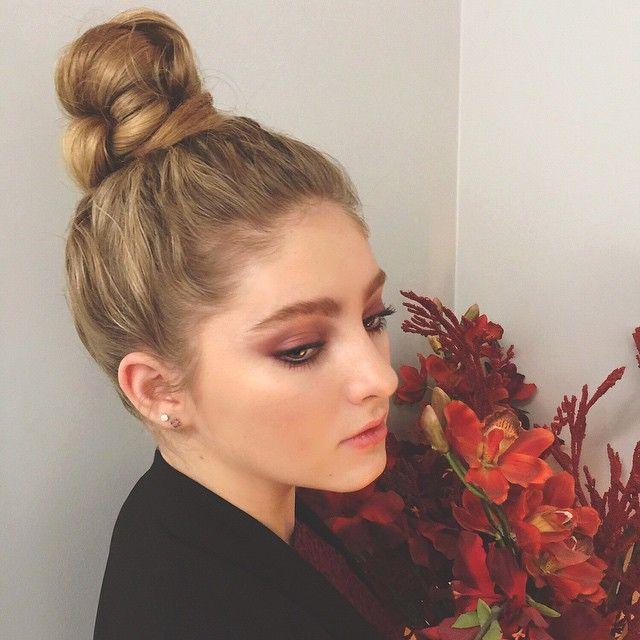 "Gefällt 80.2 Tsd. Mal, 378 Kommentare - Willow Shields (@willowshields) auf Instagram: ""Trying to make a rainy day a little brighter... Hair @castillo_13 // makeup @allanface"""