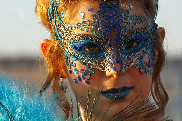 O Carnaval de Veneza é o maior festival de Veneza. Ao contrário do Carnaval na maioria dos lugares do mundo, em Veneza, o Carnaval começa duas semanas antes da quarta-feira de cinzas e termina na terça-feira de Carnaval (terça-feira gorda ou Martedì Grasso), o dia antes da quarta-feira de cinzas. Durante estas duas semanas muita …