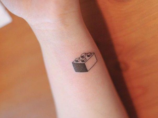17 meilleures images propos de tatouage pour femme discret sur pinterest tatouages. Black Bedroom Furniture Sets. Home Design Ideas