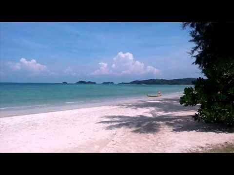 Pantai Lagoi Keistimewaan Pasir Putih di Kepulauan Riau - Kepulauan Riau