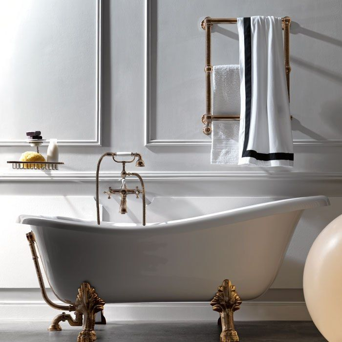Отдельностоящая ванна на ножках – элегантная классика.   Традиционным решением для оформления интерьера ванной комнаты считается отдельно стоящая ванна. Основное достоинство подобной сантехники в том, что расположить ее можно как у стены, так и в середине комнаты. Если мы говорим о классическом интерьере, то тогда подходит ванна чугунная отдельностоящая на ножках, и ставить ее нужно так, чтобы был подход со всех сторон. http://santehnika-tut.ru/vanny/otdelnostoyashhie/ #санузел #сантехника