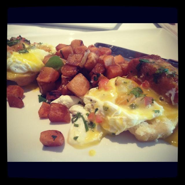Eggs Benedict at Sustenio: Egg Benedict, Eggs Benedict