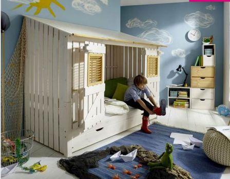 lit cabane enfant style maisonnette avec volets lit enfant. Black Bedroom Furniture Sets. Home Design Ideas