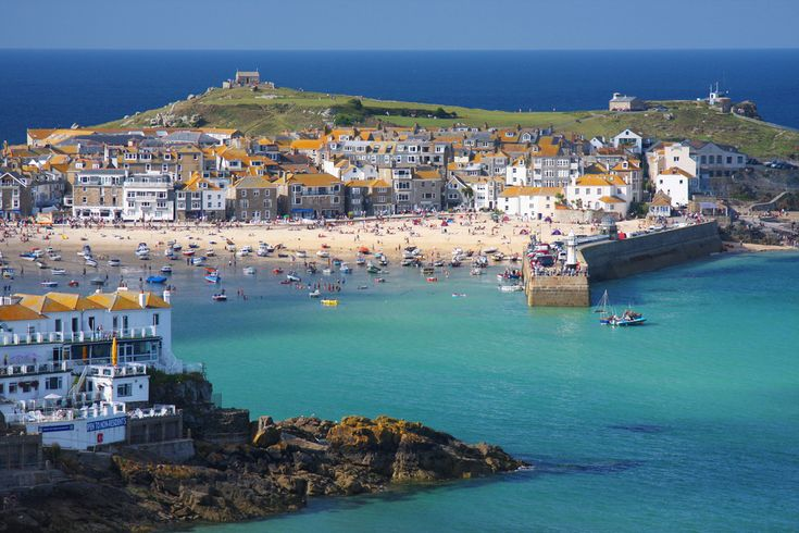 St Ives Cornwall, the ultimate seaside town. There are so many bays I just had to pick one to pin. As well as stunning scenery it's full of art galleries including a Tate.