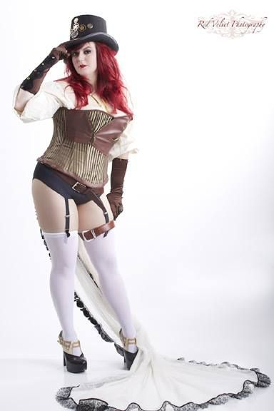 Plus Size Steampunk costume! Awesome!