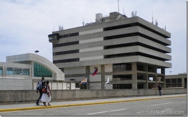 Aumentó la tasa aeroportuaria para vuelos nacionales e internacionales - http://www.leanoticias.com/2013/02/11/aumento-la-tasa-aeroportuaria-para-vuelos-nacionales-e-internacionales/