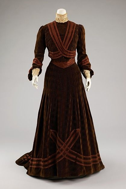Afternoon dress Designer: Jeanne Hallée (French, 1880–1914) Date: ca. 1903 Culture: French Medium: silk