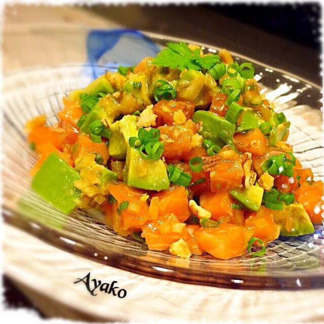 ハワイ料理も、大好き♡ ご飯に乗せて食べても、美味しい - 81件のもぐもぐ - サーモンとアボカドのアヒポキ by ayako1015