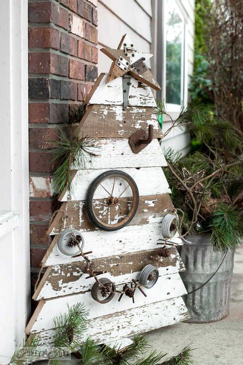 I'm not sure about you but in my opinion rustic farmhouse decor and Christmas go perfect together. The sight of burlap, flannel, and rec...