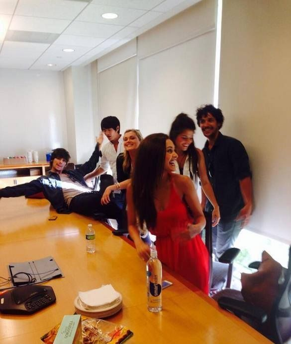 Eliza Taylor, Bob Morley, Marie Avgeropoulos, Devon Bostick, Christopher Larkin and Lindsey Morgan #The100
