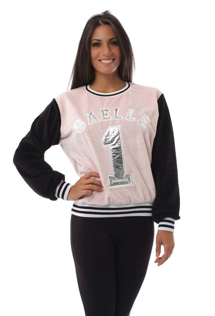 GAELLE BONHEU_felpa college ciniglia rosa e nera. Disponibile anche bianca e nera.