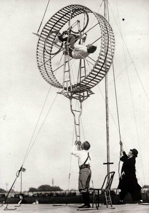 madaboutbike:  Circus