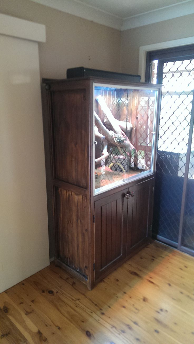 TV Cabinet to Snake Tank - Imgur